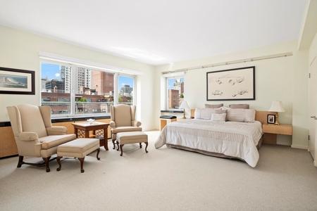 2 Bed at 120 Riverside Blvd Unit PHN