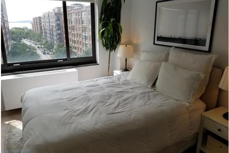 2 Bed at 120 Riverside Blvd Unit 8K