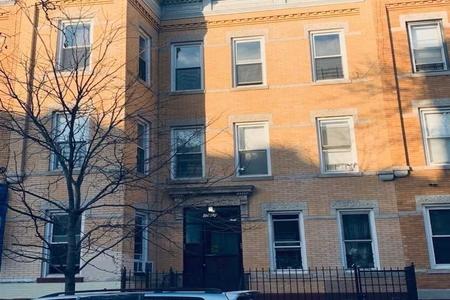 18 Bed at 120 Riverside Blvd Unit