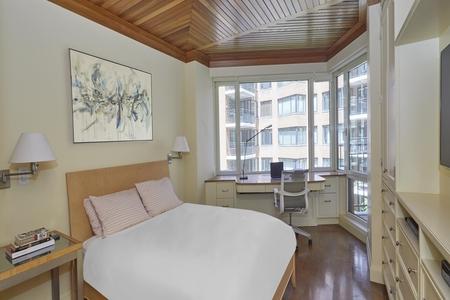 1 Bed at 120 Riverside Blvd Unit 7HS