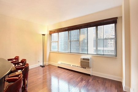 2 Bed at 120 Riverside Blvd Unit 9GH