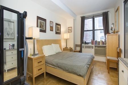 1 Bed at 120 Riverside Blvd Unit 15C