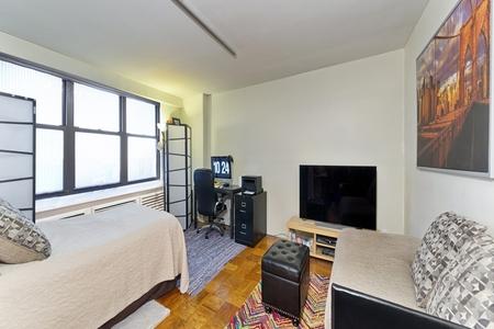 0 Bed at 120 Riverside Blvd Unit 8L
