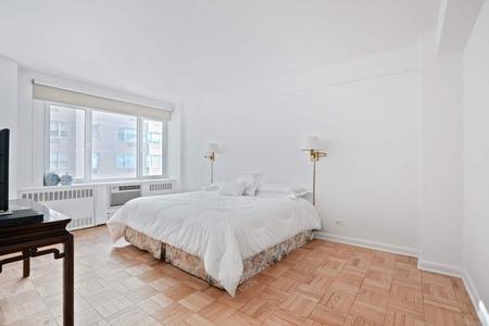 1 Bed at 120 Riverside Blvd Unit 16L