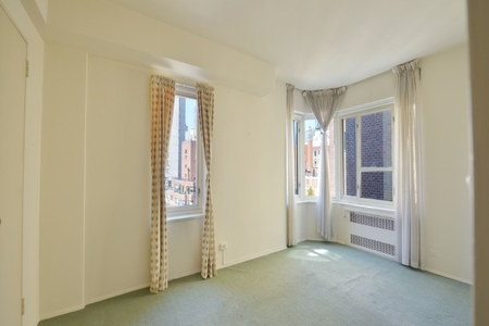 2 Bed at 120 Riverside Blvd Unit 16A