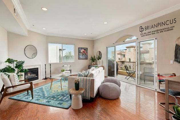 2550, Los Angeles, CA, 90038 - Photo 1