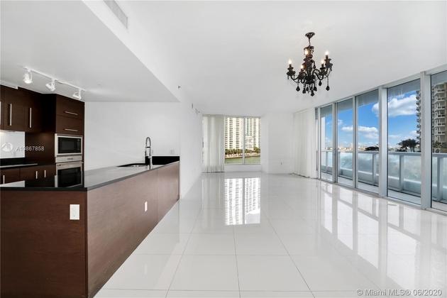 5567, Miami, FL, 33131 - Photo 1