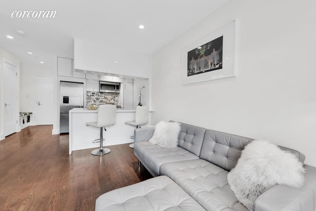 2789, Queens, NY, 11106 - Photo 2