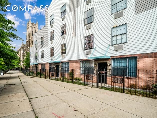 1712, Bronx, NY, 10451 - Photo 1