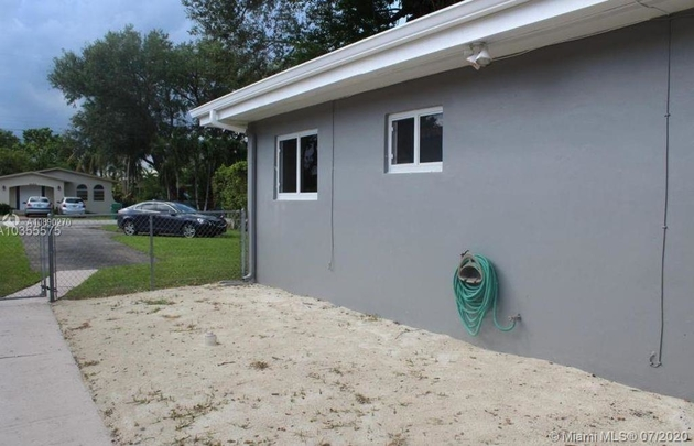 2004, Miami, FL, 33155 - Photo 2