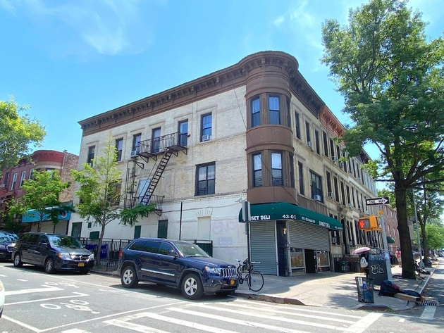 10000000, Brooklyn, NY, 11232 - Photo 1