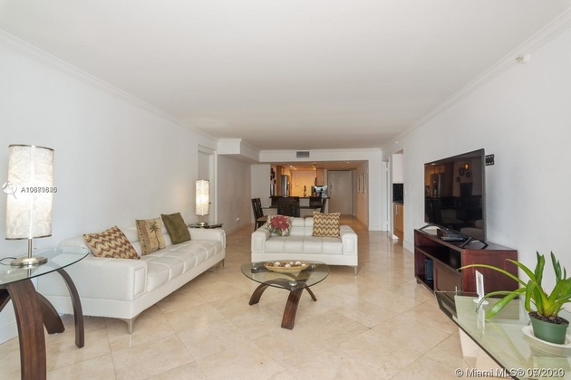 2320, Miami, FL, 33132 - Photo 2