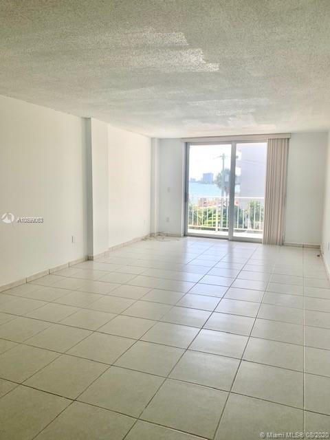 946, Miami Beach, FL, 33141 - Photo 2