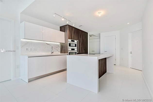 3305, Miami, FL, 33132 - Photo 2