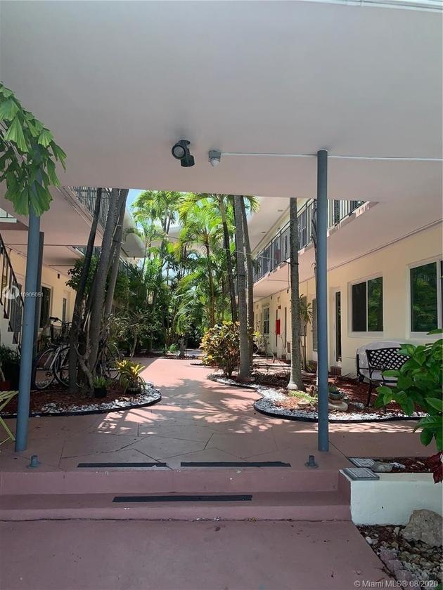 725, Miami Beach, FL, 33141 - Photo 2
