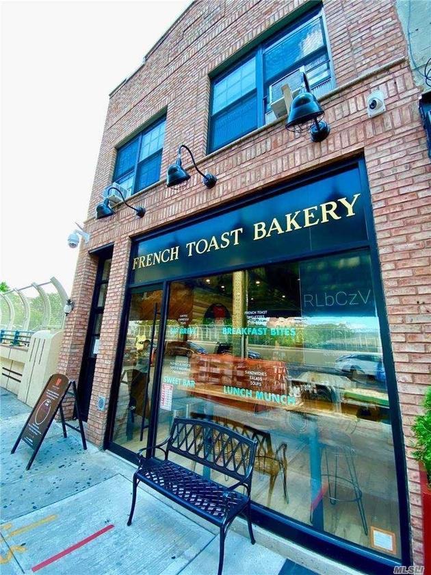 10000000, Jackson Heights, NY, 11372 - Photo 2
