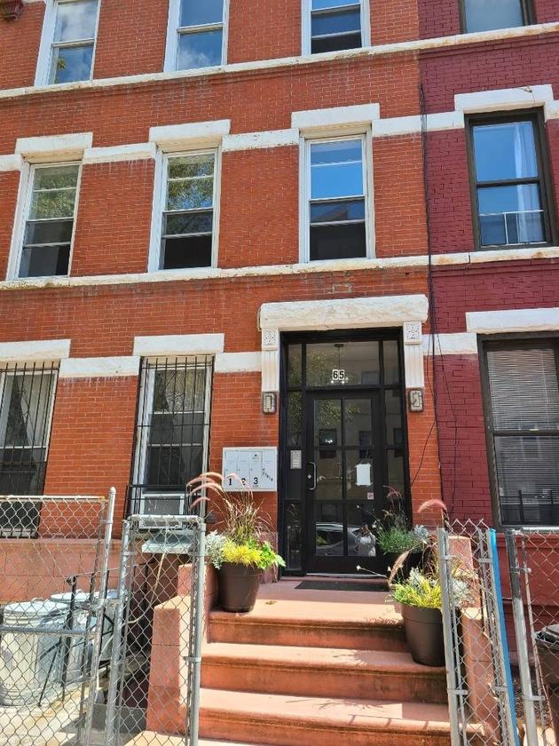 10000000, Brooklyn, NY, 11213 - Photo 1