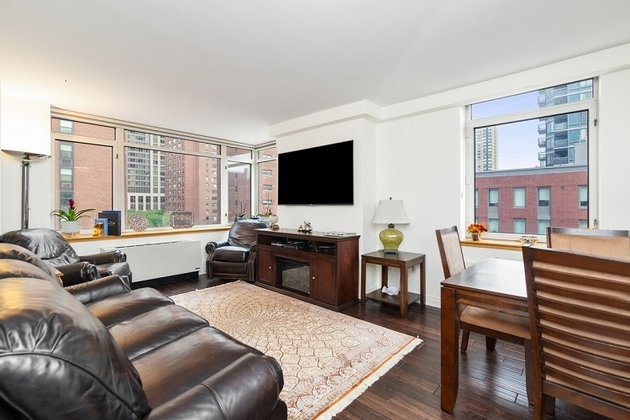8329, New York City, NY, 10128 - Photo 1