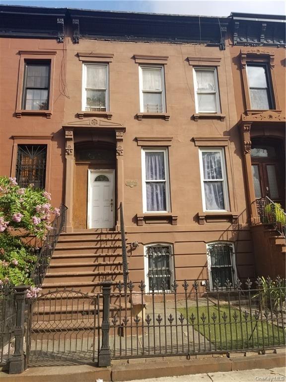 5544, Brooklyn, NY, 11216 - Photo 1