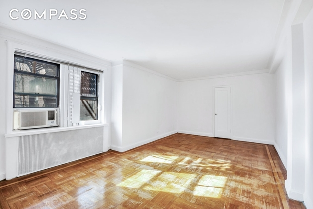 1376, Queens, NY, 11377 - Photo 2