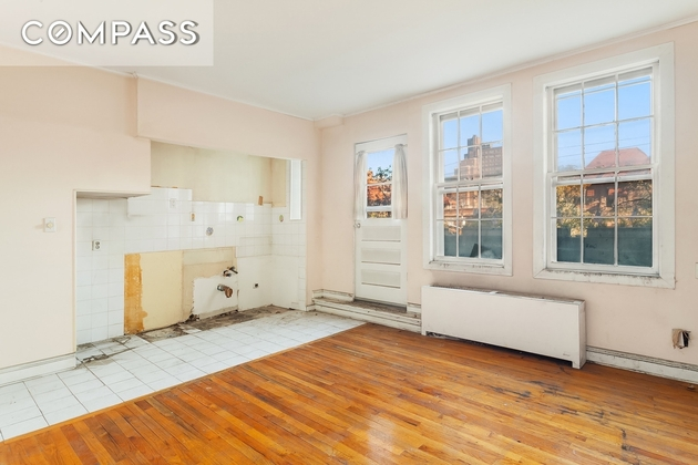 1425, Queens, NY, 11375 - Photo 2