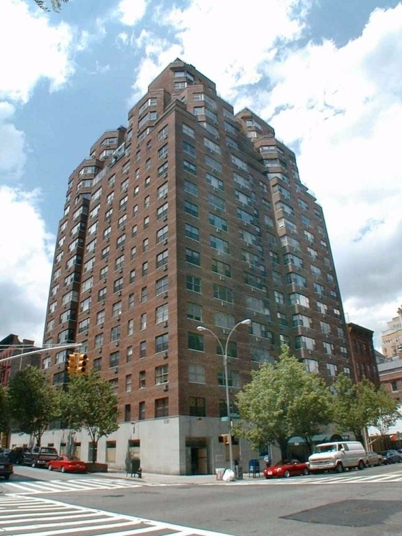 80 E End Ave, New York, NY, 10028 - Photo 1