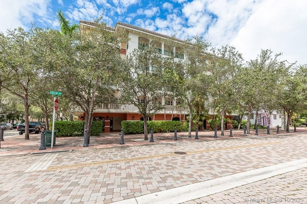 2870, Miami Beach, FL, 33139 - Photo 2