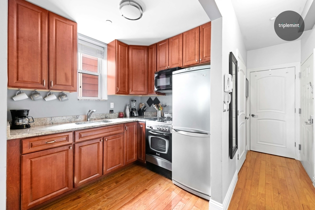 2978, Queens, NY, 11102 - Photo 2