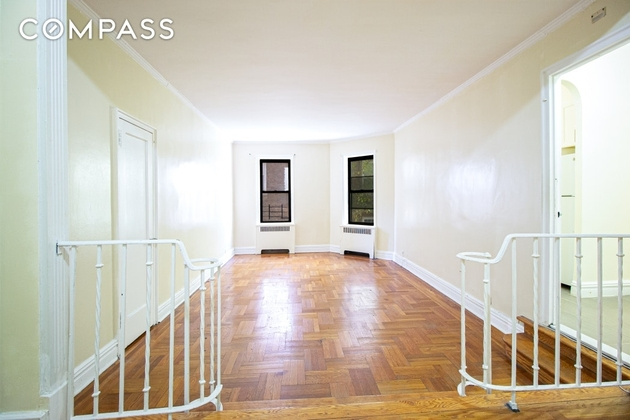 1070, Bronx, NY, 10451 - Photo 1