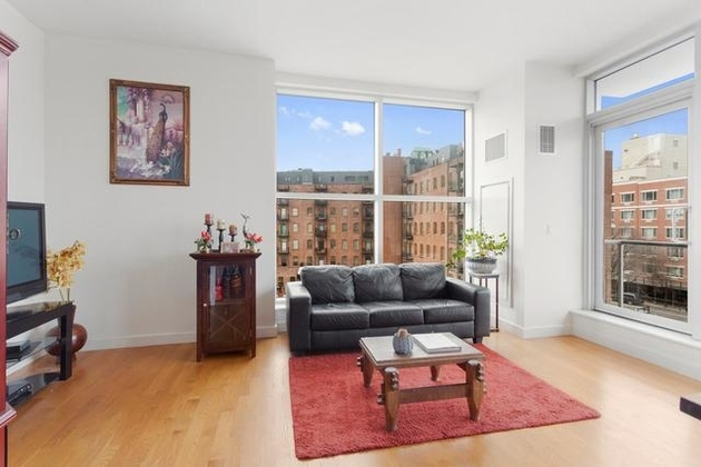 4776, Queens, NY, 11106 - Photo 2
