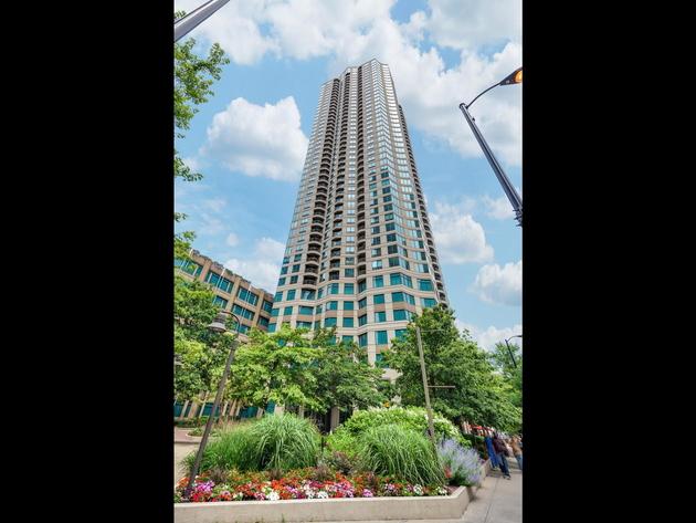 5782, Chicago, IL, 60654 - Photo 1