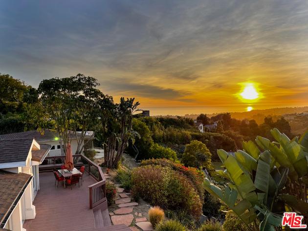 10000000, Pacific Palisades, CA, 90272 - Photo 1