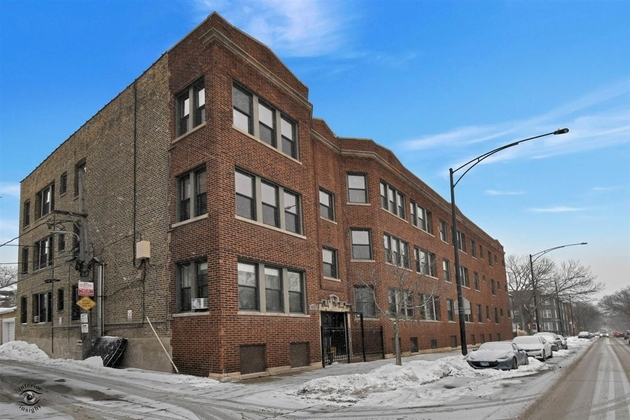 4923, Chicago, IL, 60613 - Photo 1