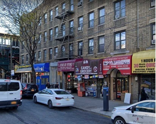 10000000, Astoria, NY, 11106 - Photo 1