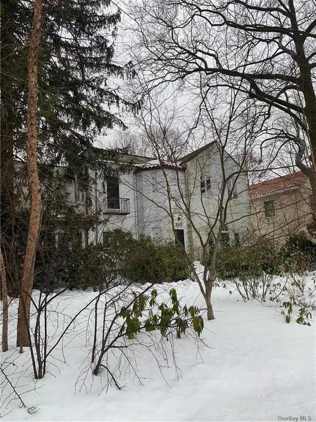 4931, Great Neck, NY, 11023 - Photo 1