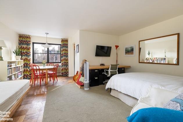 2922, New York City, NY, 10014 - Photo 1
