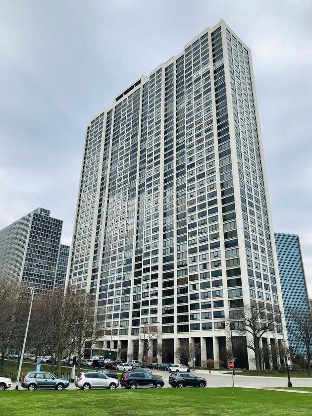 6165, Chicago, IL, 60657 - Photo 1