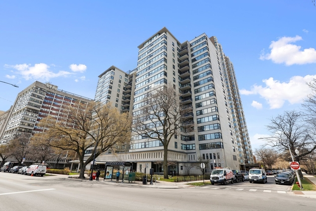 7735, Chicago, IL, 60657 - Photo 1