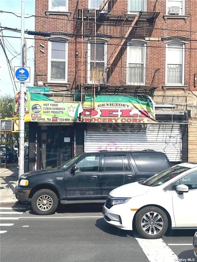 10000000, Greenpoint, NY, 11222 - Photo 1