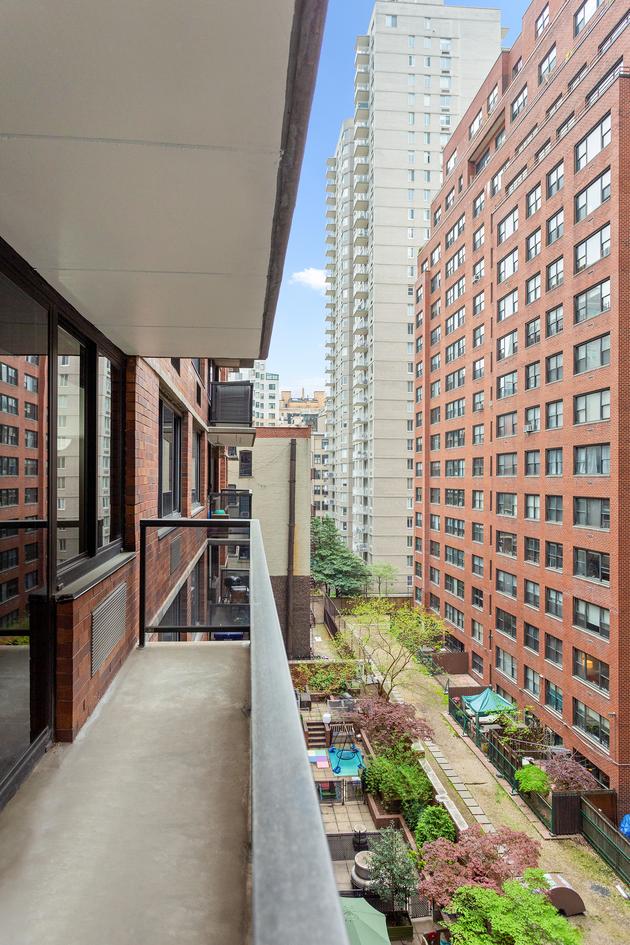 5915, New York, NY, 10075 - Photo 1