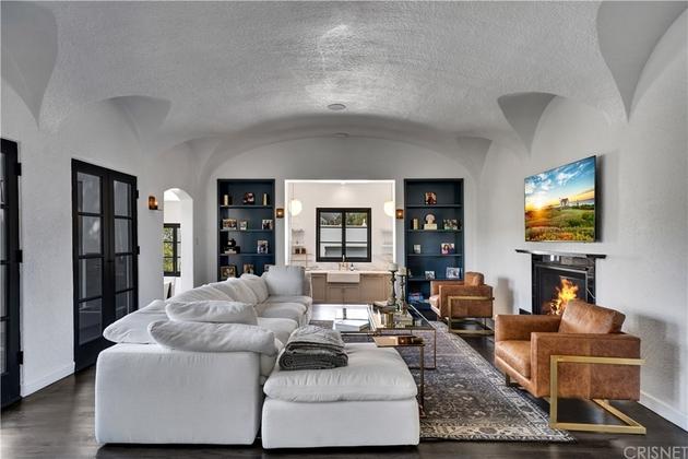 10229, Los Angeles, CA, 90027 - Photo 1