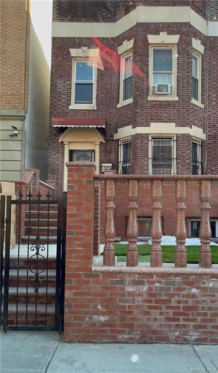 5687, Crown Heights, NY, 11213 - Photo 1