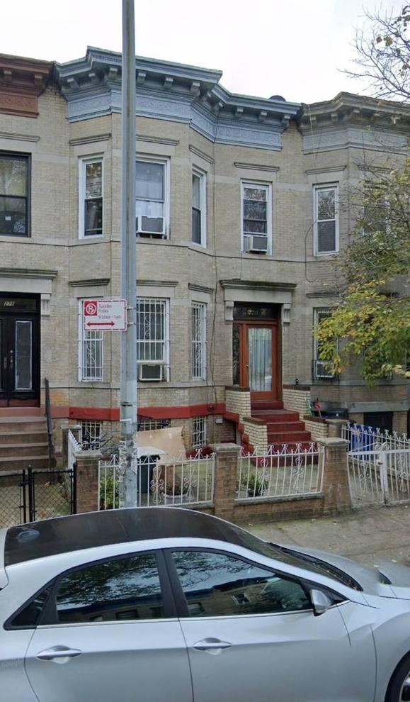 10000000, Brooklyn, NY, 11225 - Photo 1