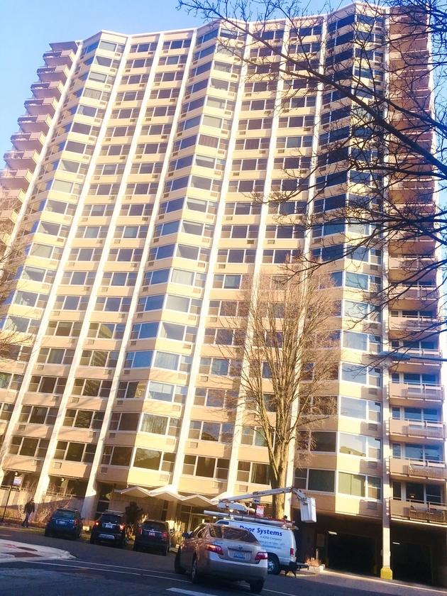 1570, Chicago, IL, 60657 - Photo 1