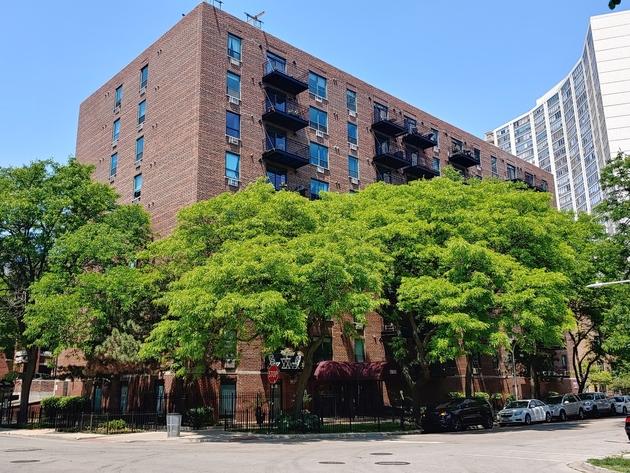 1713, Chicago, IL, 60613 - Photo 1