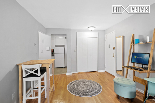 39-76 57th St, Queens, NY, 11377 - Photo 1