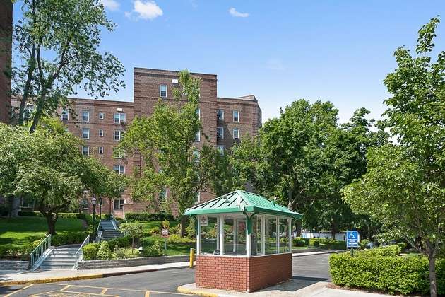1379, Bronx, NY, 10471 - Photo 2