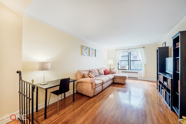 35 76th St, Queens, NY, 11372 - Photo 1