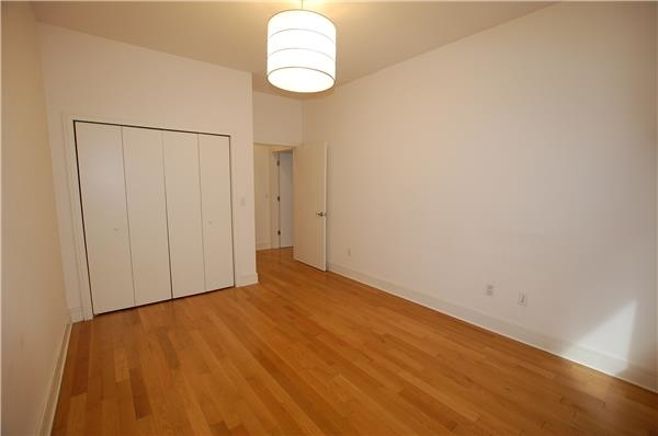 6606, Queens, NY, 11101 - Photo 2