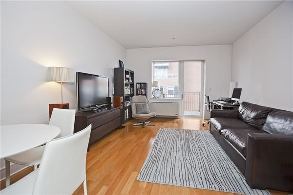 5650, Queens, NY, 11101 - Photo 1